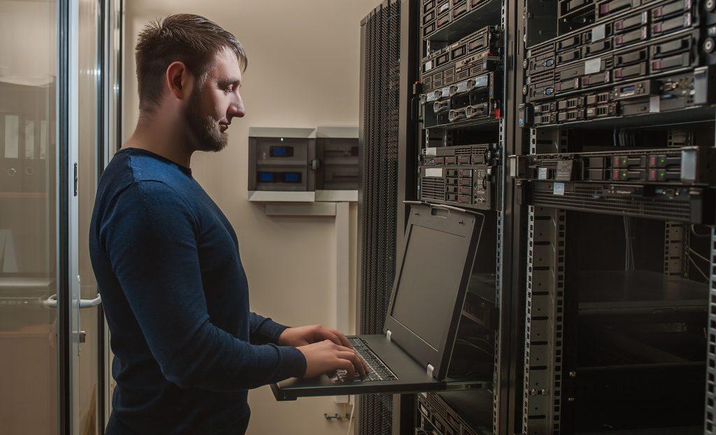server-routing-technician